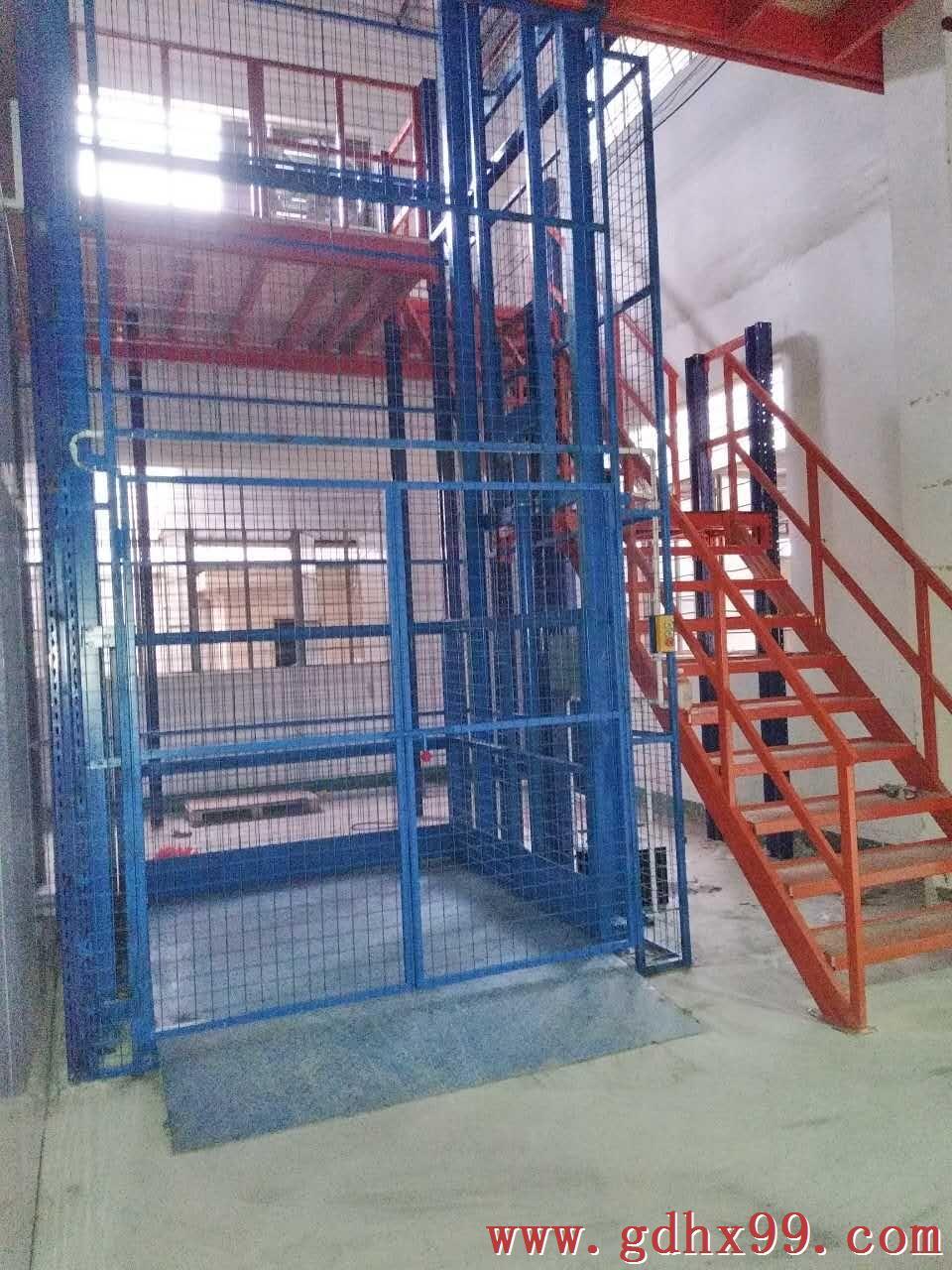 东莞建筑工程行业安装导轨液压升降机