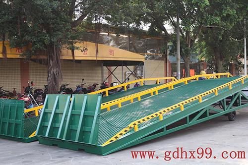 广东浩翔为美的厨卫电器制造有限公司提供液压登车桥