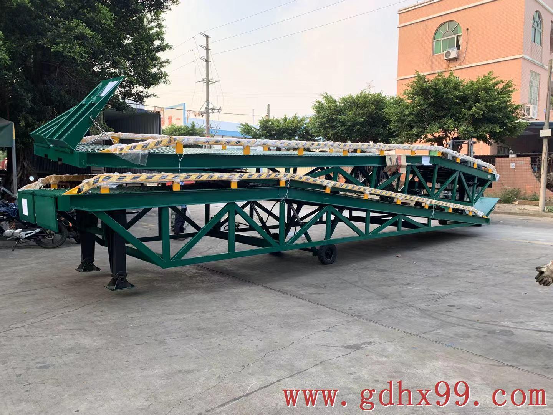 南美洲非标定制12T液压登车桥